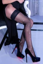 CHILIROSE: stay-up stockings with rhinestones.