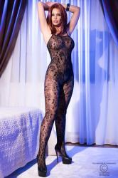 CHILIROSE: bodystocking with flower patterns.